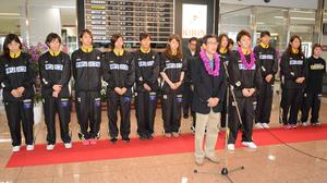 山梨選手宮崎県入り バスケ女子のWリーグ公式戦