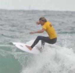 年間王者へ最終戦 30日まで、下田市でサーフィン大会