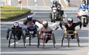 山本初V、日本人2人目 大分国際車いすマラソン大会