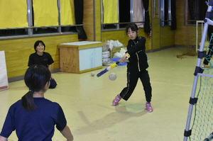 八戸に小学生女子ソフトボールチーム誕生