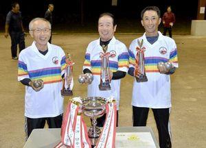 日本ペタンク選手権で高知県のチームが1位、2位