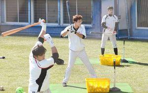 韓国プロ野球 LGが高知の春野球場でキャンプ