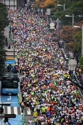 福岡マラソン1万3000人