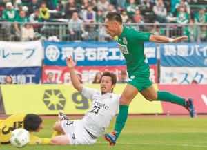 J2岐阜 J2守った 東京Vに逆転勝ち