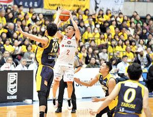 バスケBリーグ 千葉、栃木破り5連勝