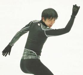 フィギュアスケート 羽生がNHK杯公式練習 25日開幕