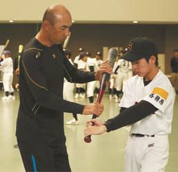 元中日・和田さんが岐阜で野球教室 小中生を指導