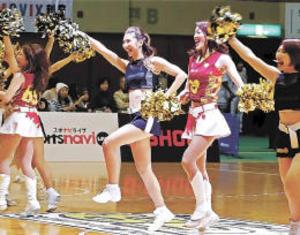 バスケB1仙台、楽天とコラボ 会場に赤の熱気