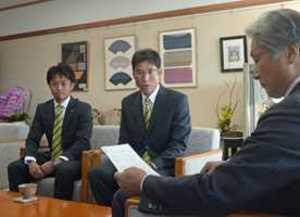 J3栃木 悔しさ来季の糧に 知事にシーズン報告