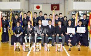 剣道 高知県選手権 警察剣連が10連覇