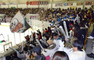 アイスホッケー 日本製紙のファン、11日王子戦に多数