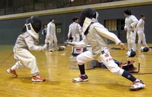 勝負の聖地「天王山杯」で新生 京都・大山崎のフェンシング大会