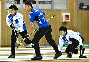 SC軽井沢クラブ、決勝トーナメントへ 女子は中電敗退