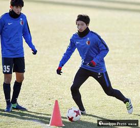 J1鹿島・柴崎ら紅白戦 サッカークラブW杯