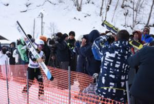 高梨選手は「別格」 名寄ピヤシリジャンプ観客300人沸く