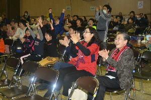 柴崎選手の活躍に熱狂、野辺地でPV サッカー・クラブW杯
