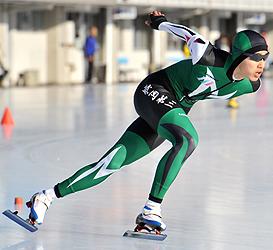 男子1000、山口が2冠 イワート県高校・中学Sスケート