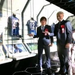 J1福岡、博多駅前にアビショップ クラブ初、開店に行列