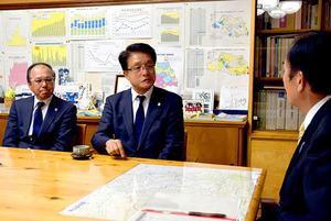 J1浦和 淵田代表らが知事表敬 来季リーグ制覇へ決意