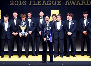 J1浦和 西川、槙野、阿部、柏木がベストイレブン フェアプレー賞も