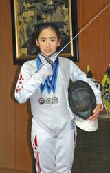 フェンシング 世界で活躍 印西の小学校六年生の玉本愛佳さん