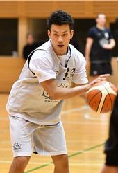 バスケB1札幌、契約発表会見 田原「覚悟を持って臨む」