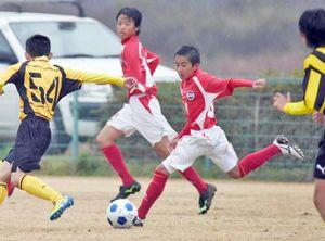 サッカー U-14「ウインターパシフィックin高知」が開幕