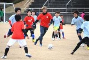 徳島県人プロが小学生に技術指導 徳島サッカーフェスタ