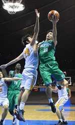 バスケ全日本総合 白鴎大、男子は九電に競り勝つ
