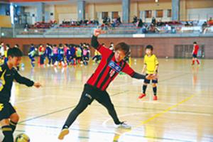伊達出身のJ2札幌・宮澤選手、サッカー教室で指導