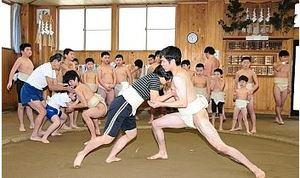 高校生の胸借りて初稽古 木曽少年相撲クラブ