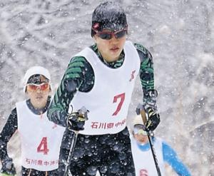 中学女子・小田(白嶺)3連覇 スキー距離クラシカル