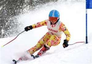 女子大回転で高橋V、男子は阿部に栄冠 秋田県中学スキー