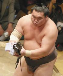 大相撲歴代最多タイ 横綱白鵬818出場