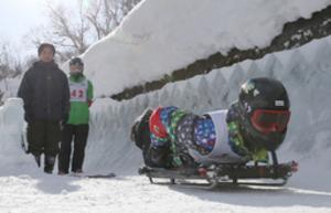 「疾走感が楽しい」 札幌でスケルトン体験会始まる