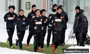 JFL八戸 柱谷新監督を迎え、今季初練習