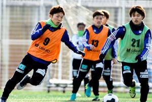さらなる昇格へ始動 FC今治(愛媛)、今季初練習