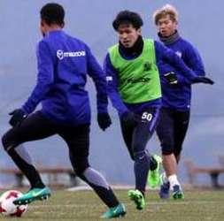 FW工藤が体力強化 J1広島鹿児島キャンプ