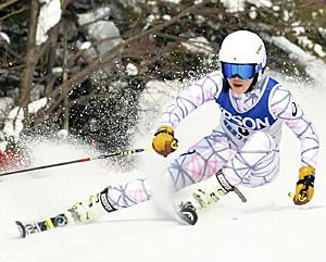 成年女子A大回転・猪俣が連覇 福島県総体スキー