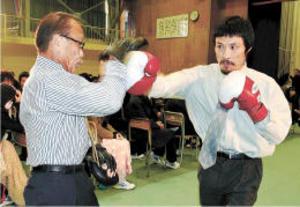 目標の大切さ拳で説く 医師で ボクサー池田さんが講演