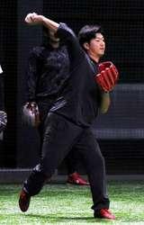 広島2年目の岡田投手、フォーム修正 制球力向上に挑む