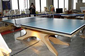 卓球 リオ熱戦の舞台と同型の卓球台を展示 天童木工製作