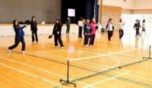 エスキーテニスを授業に 広島文教女子大