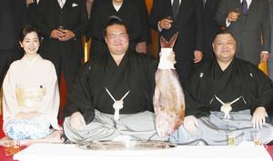 大相撲 稀勢の里 祝福に沸く牛久市と龍ケ崎市