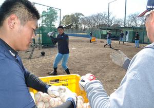 野球 韓国チームを呼ぼう 球場利用少ない1月 宮崎県