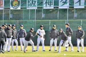 高知キャンプ 球春到来 阪神、西武2軍が始動