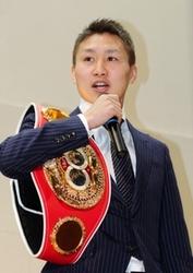 ボクシング 王者小国、神戸の母校で「信貫けば道」