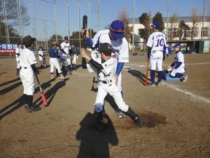 社会人野球 東京ガス野球部、袖ケ浦で少年球児82人にコツ伝授