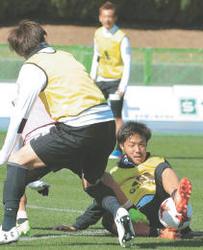 J1仙台、富田献身 3季連続主将