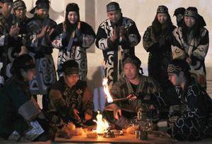 アイヌ民族らが火打ち石で採火 冬季アジア札幌大会